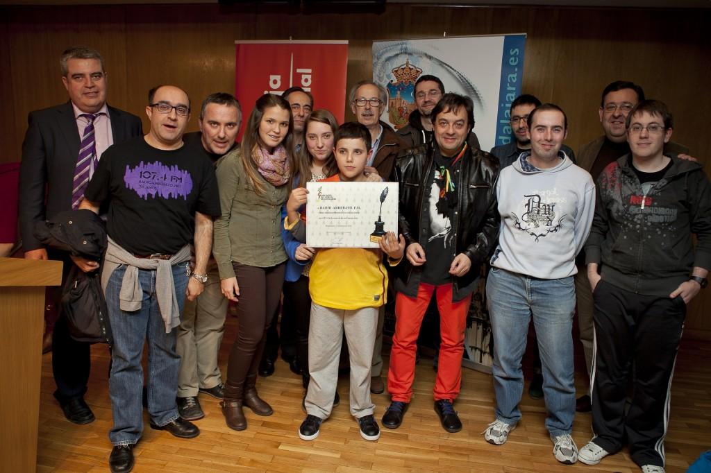Miembros de la Radio tras la concesión del diploma (Fotos: Raquel Triguero)